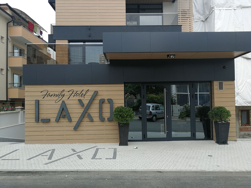 Хотел Лаксо, Обзор