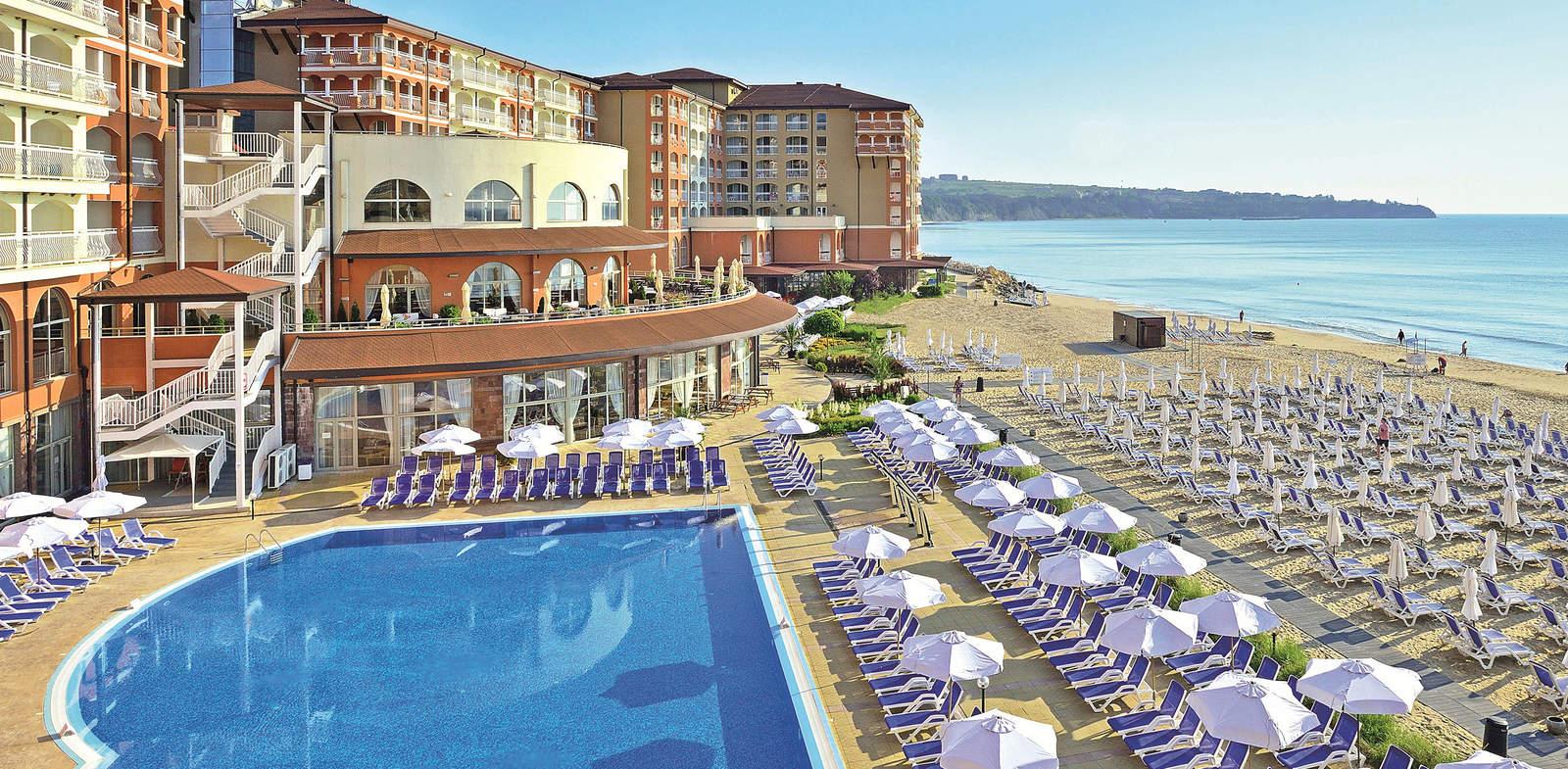 Sol LunaBay Resort, Обзор